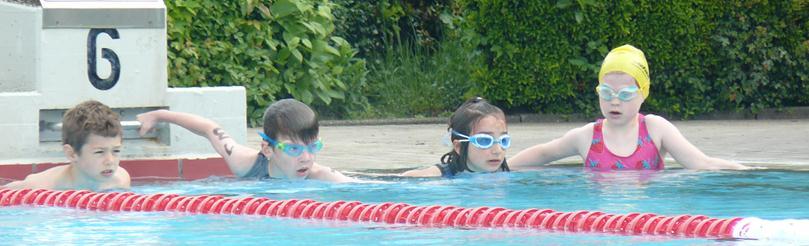 Schwimmstart der TriMinis